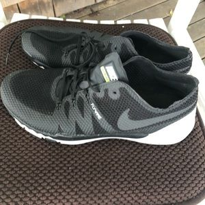 Black and grey men's Nike Sneakers Size 12